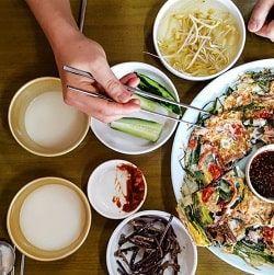 Makgeolli đặc trưng ẩm thực Hàn Quốc